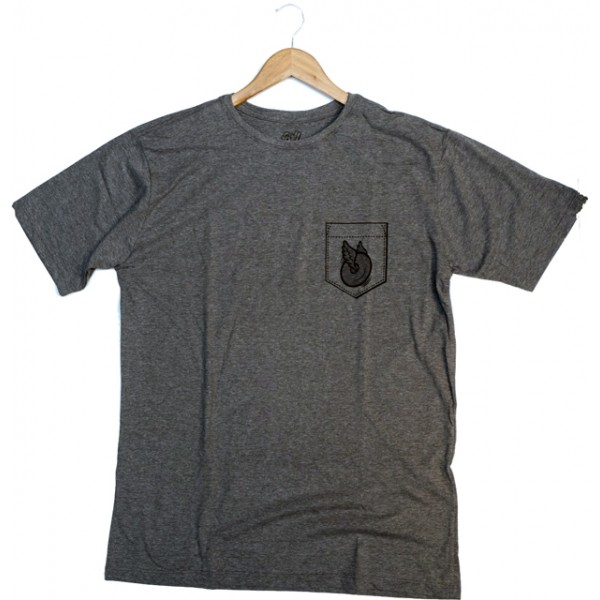 Camiseta Rolling Bolso Fake (GG - XG)